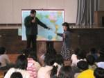 Ángel / charla en escuela de Hino